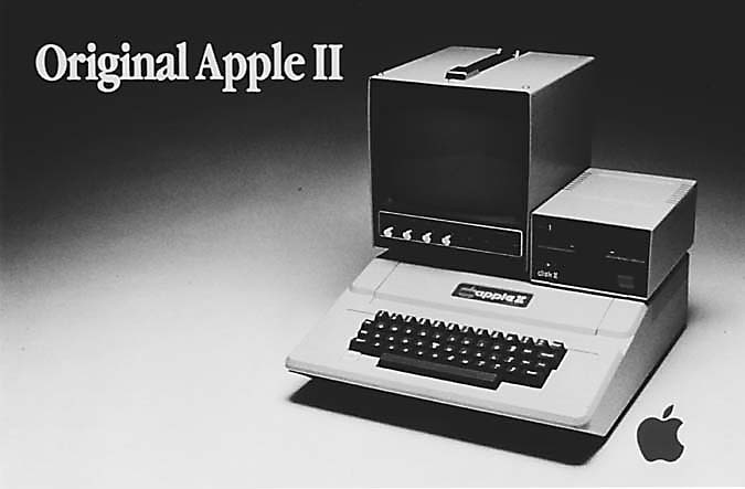 appleii Pictorial Timeline of Apple Macintosh Computers, Gadgets and iPods in History