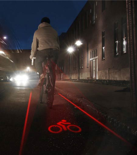 bike lane bicycle 450x5091 The bike that shows you where its lane is (projector stylez)