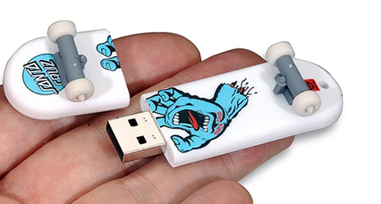 skatedrive Skateboard shaped flash drives are cool