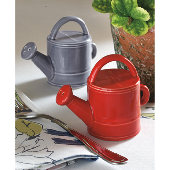 sarahs garden watering can salt and pepper shaker 20 of The Most Creative and Coolest Salt and Pepper Shakers Around