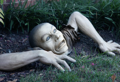 Picture 16 Creepy, freaky, awesome. Zombie Garden Gnomes