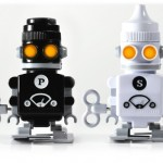 salt and pepper robots 150x150 20 of The Most Creative and Coolest Salt and Pepper Shakers Around