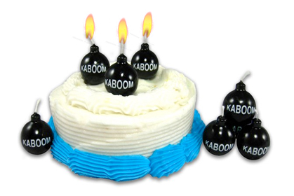 bomb birthday candles Kaboom Birthday Candles look like real cartoon bombs