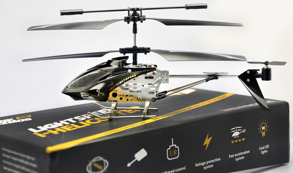 ihelcop LIGHTSPEED Phone Controlled i Helicopter, yup, theres an app for that